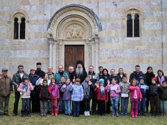 djeca-kosovo-decani