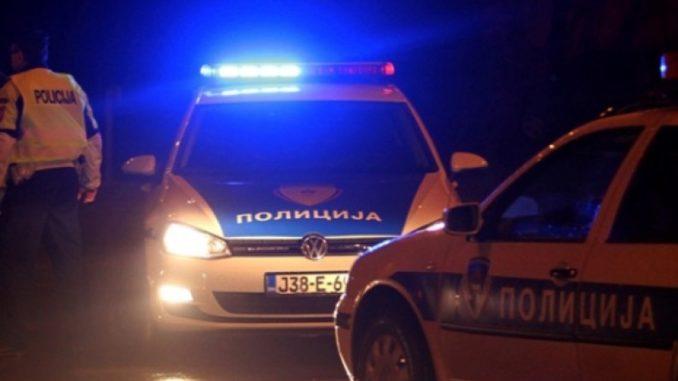 policija-noc-auto